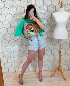 T-shirt Cropped Onça Tropical